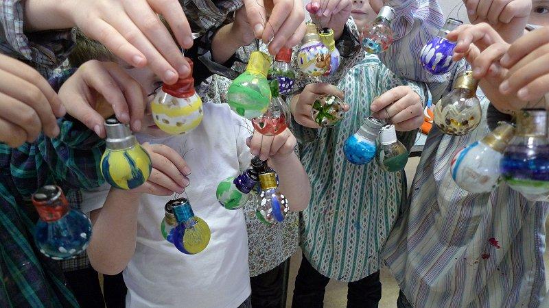 Admirez ces belles boules pour garnir le sapin !
